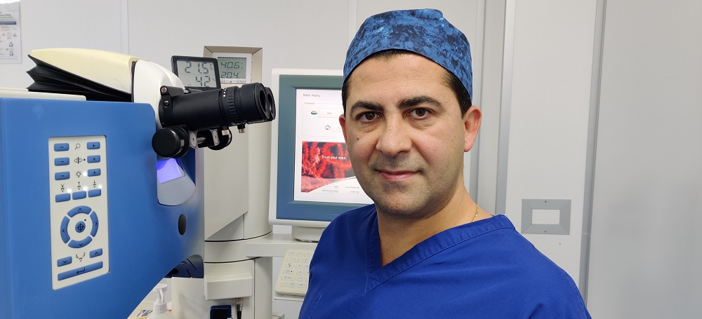Dr Amir Mani - Specialist refractive surgeon